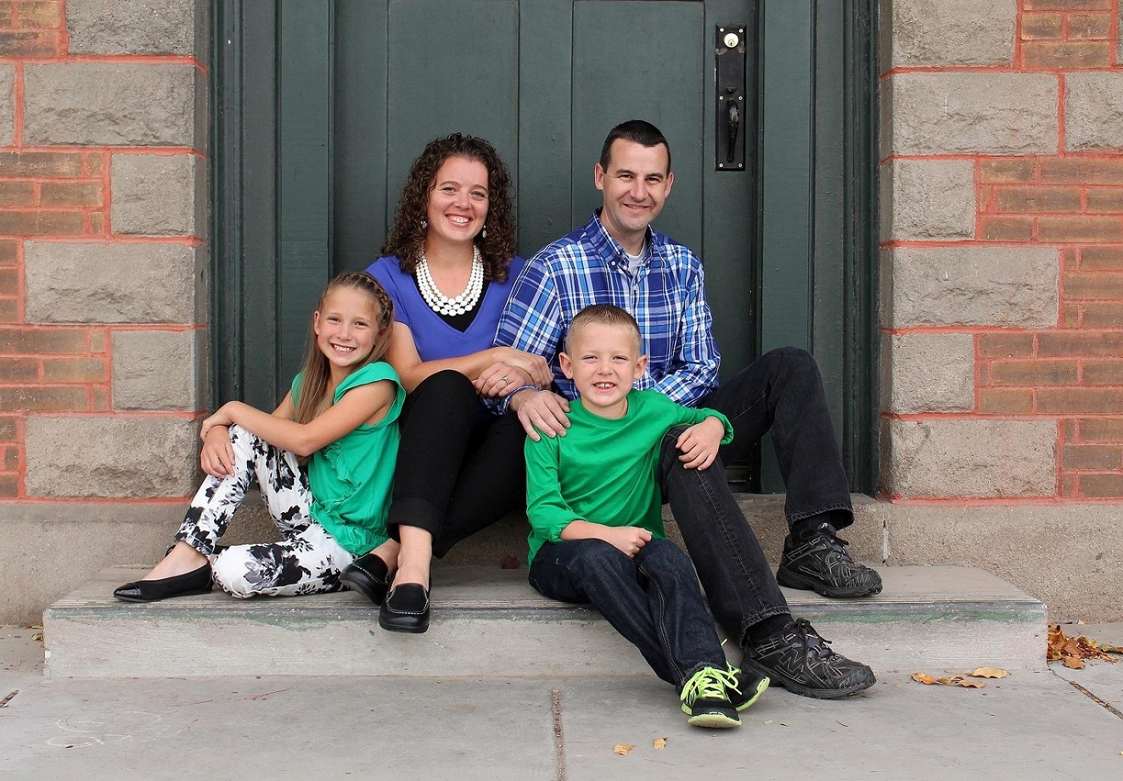 Family-Photo-B-small.jpg