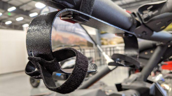 Headset view side COM The COM