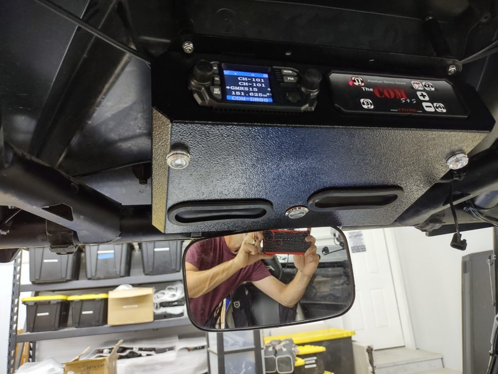 The COM Console on RZR 800 rugged stereo